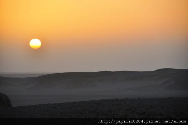 撒哈拉沙漠日出