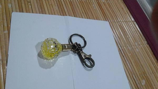 很久很久很久以前朋友送的香水鑰匙圈 (換物可贈)