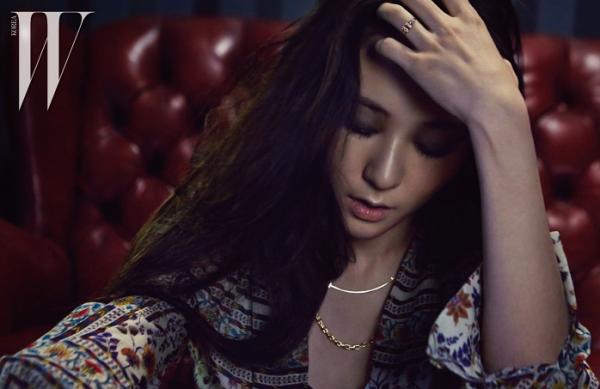 f-x-krystal-w-korea-magazine-march-2015-fashion-png