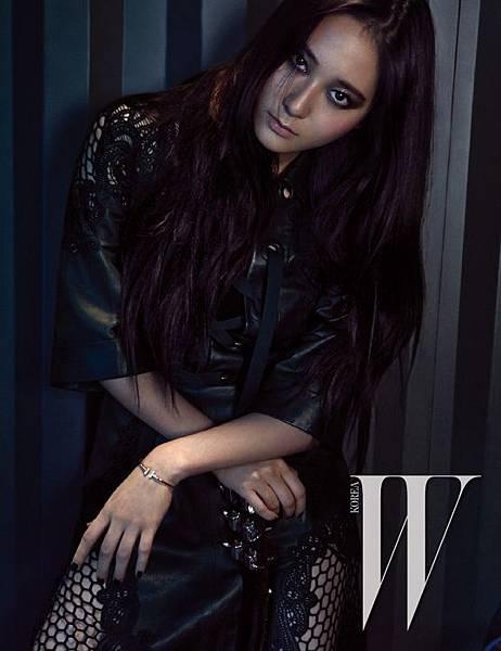 f-x-krystal-w-korea-magazine-march-2015-style