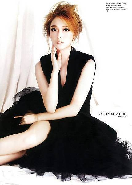 Beauty-Magazine-featuring-SNSD-Jessica-Jung-April-2013-Issue-girls-generation-snsd-34068344-500-700
