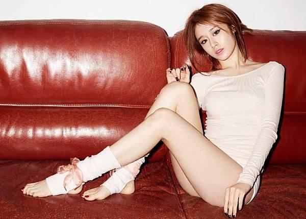 T-ara-Hyomin-Jiyeon-Soyeon-oh-jong-hyuk_1400577933_af_org.jpg
