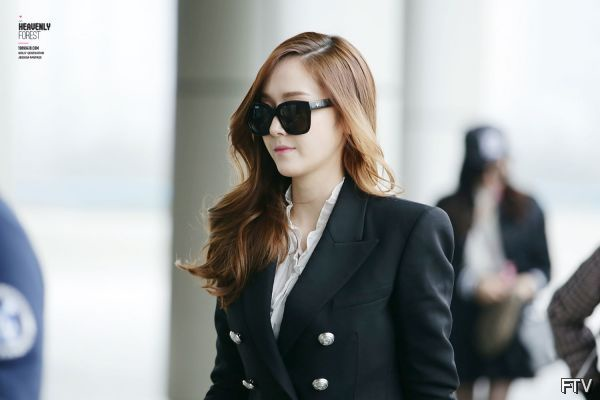 wpid-Snsd-Jessica-Airport-Fashion-2014-video-4