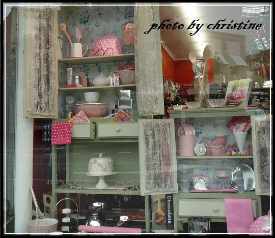 【The Home Provedore】-window display