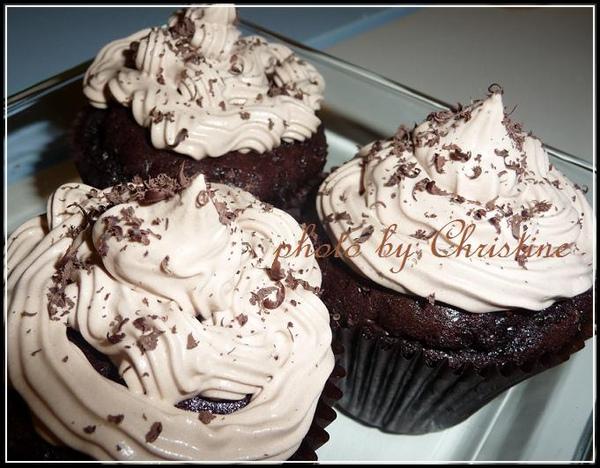 Mocha Chocolate Cupcakes-3