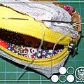 藏針縫把拉鍊跟表布的開口縫合