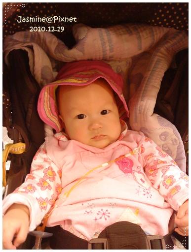 20101219小妹子曬太陽.JPG
