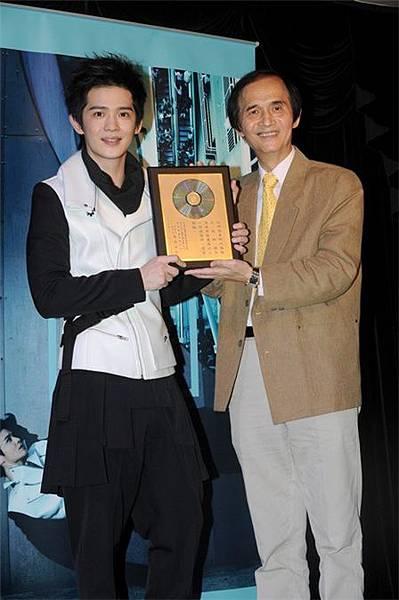 紀佳松加盟索尼音樂推新專輯《夢游》 主打歌《不要忘記我》詮釋奶爸心情3