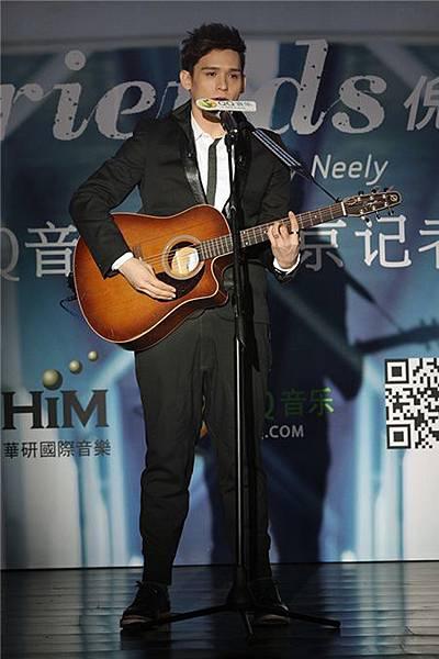倪安東北京發佈會呼籲平等愛 擊敗「肉熊」稱號晉升新世代男神1