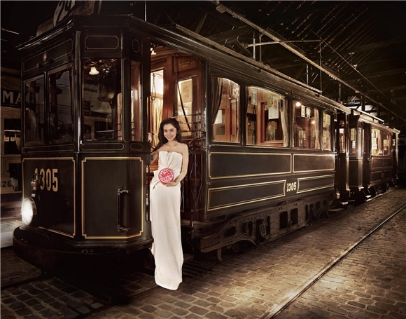Angelababy 與帥氣比利時男模特兒深情拍攝 GODIVA 「2014情人節系列」6
