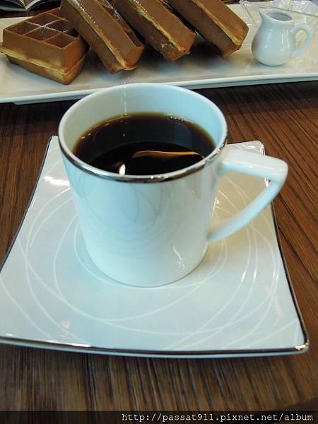 20131126台中烏日羅布森咖啡書蟲房_0060_調整大小.jpg