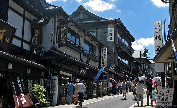 成田山新勝寺表參道(from www.sogoodtours.com)