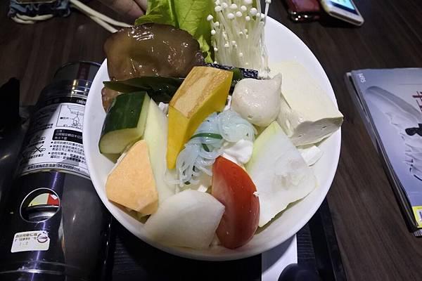 火鍋 菜盤.jpg