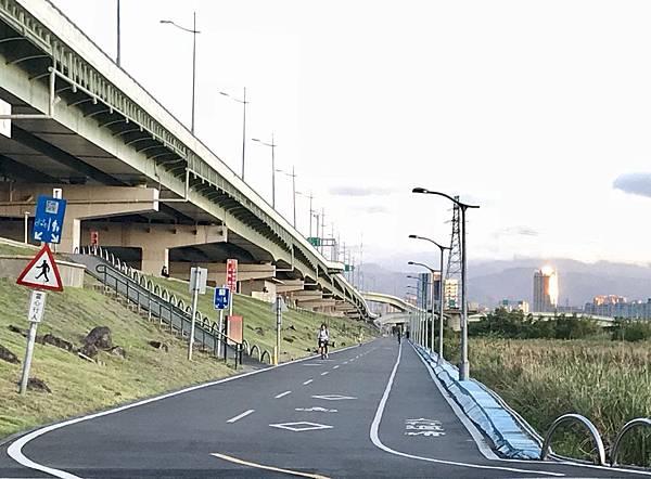 基隆河 自行車道g1.jpg