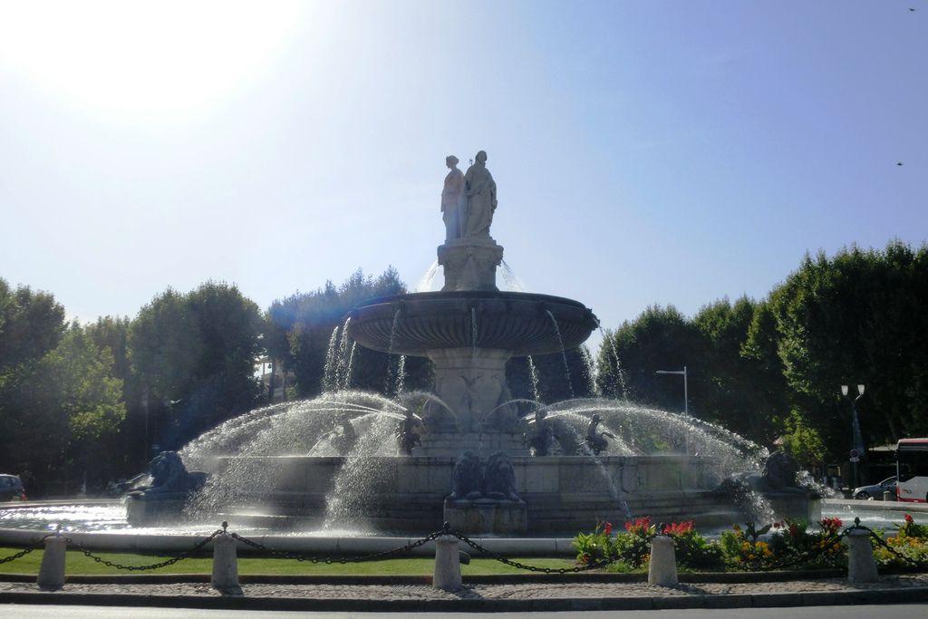7艾克斯普羅旺斯 (77)圓亭噴泉