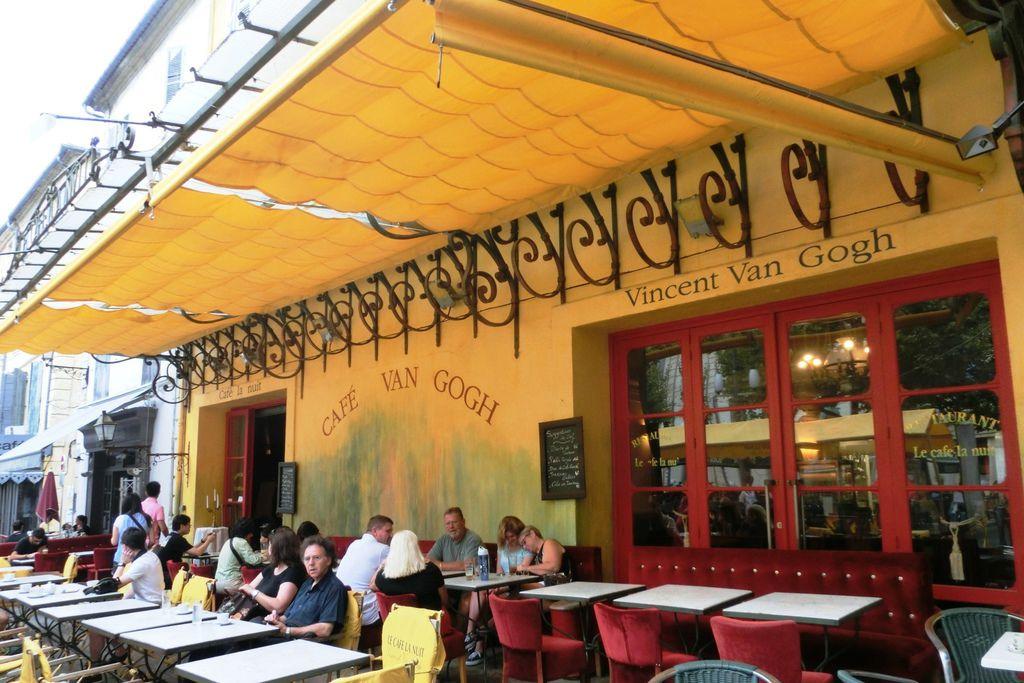 9亞爾 (17)梵谷咖啡館