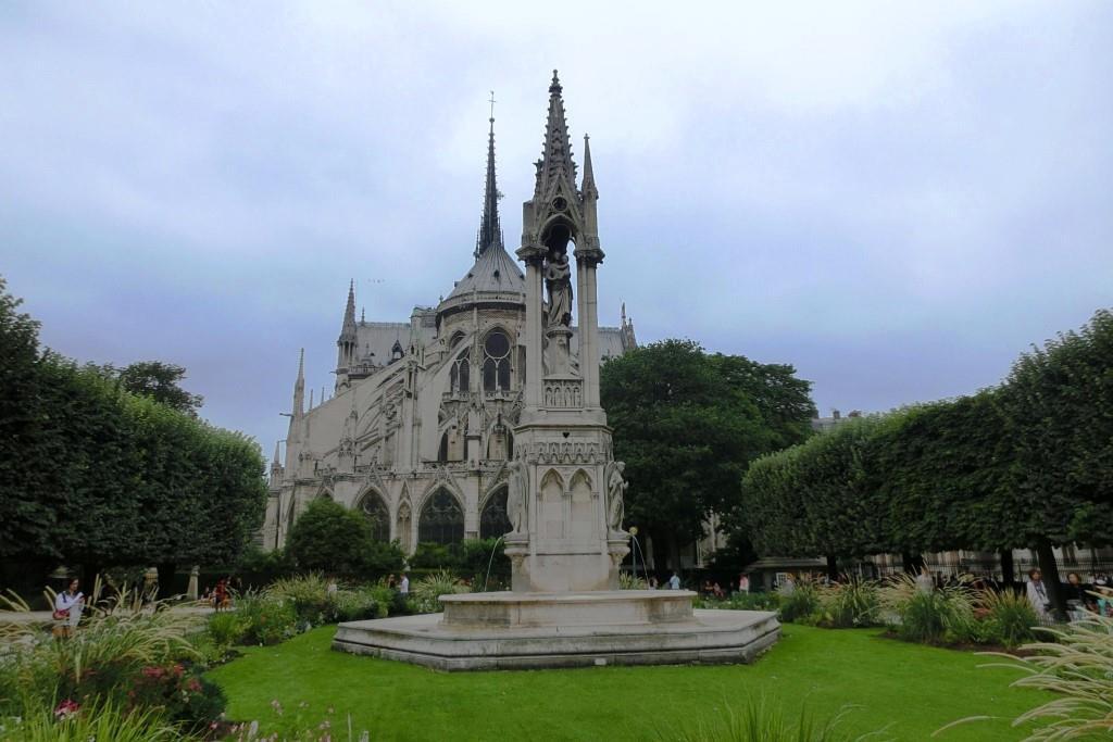 4聖母院 (45)Square du Jean23
