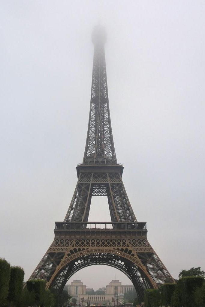 1清晨的巴黎鐵塔 (2)