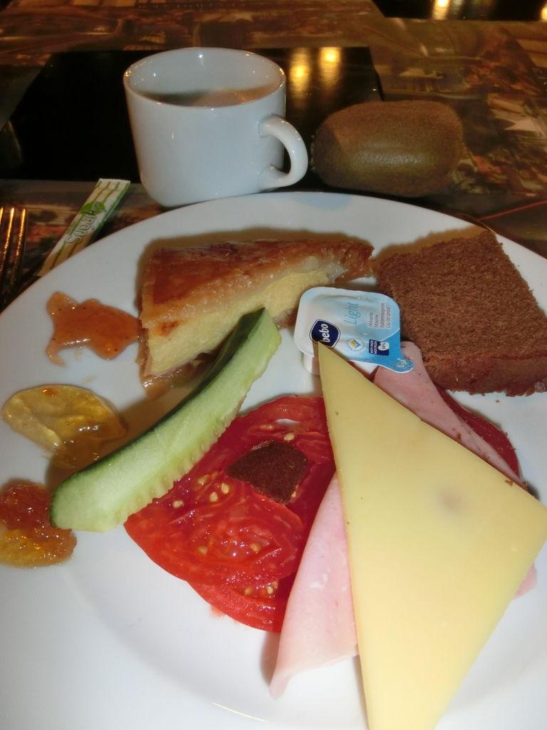 150712-0 早餐5點半