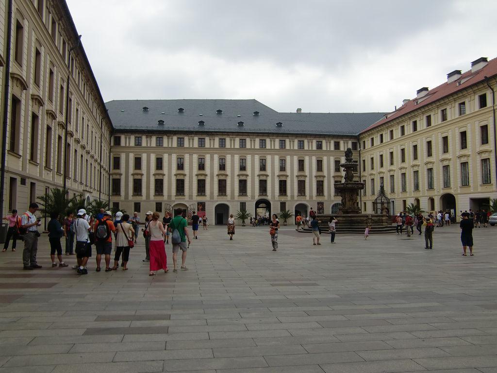 4. 布拉格城堡區 (29).JPG