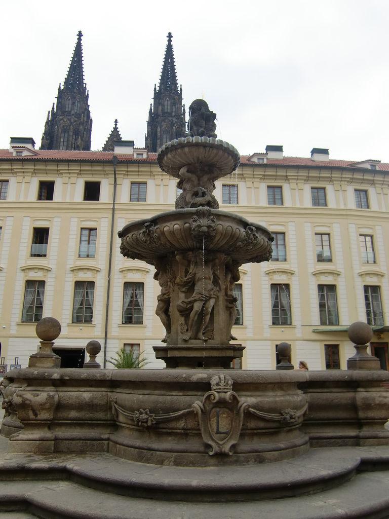4. 布拉格城堡區 (30).JPG