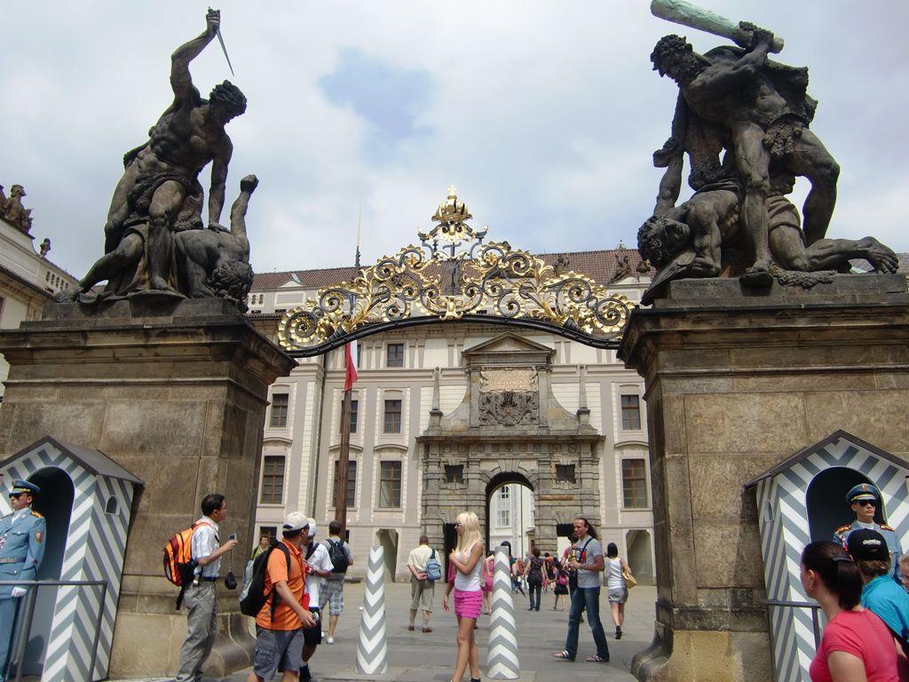 4. 布拉格城堡區 (7).JPG