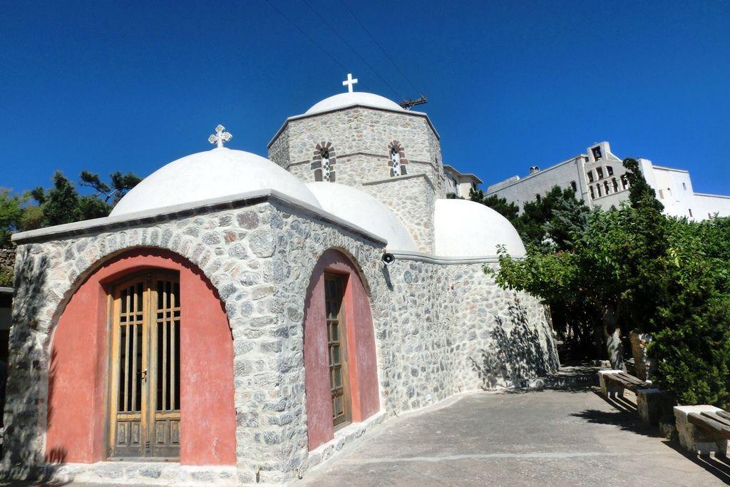 150716-6聖托里尼至高點Monastery of Profitis Ilias (22).JPG