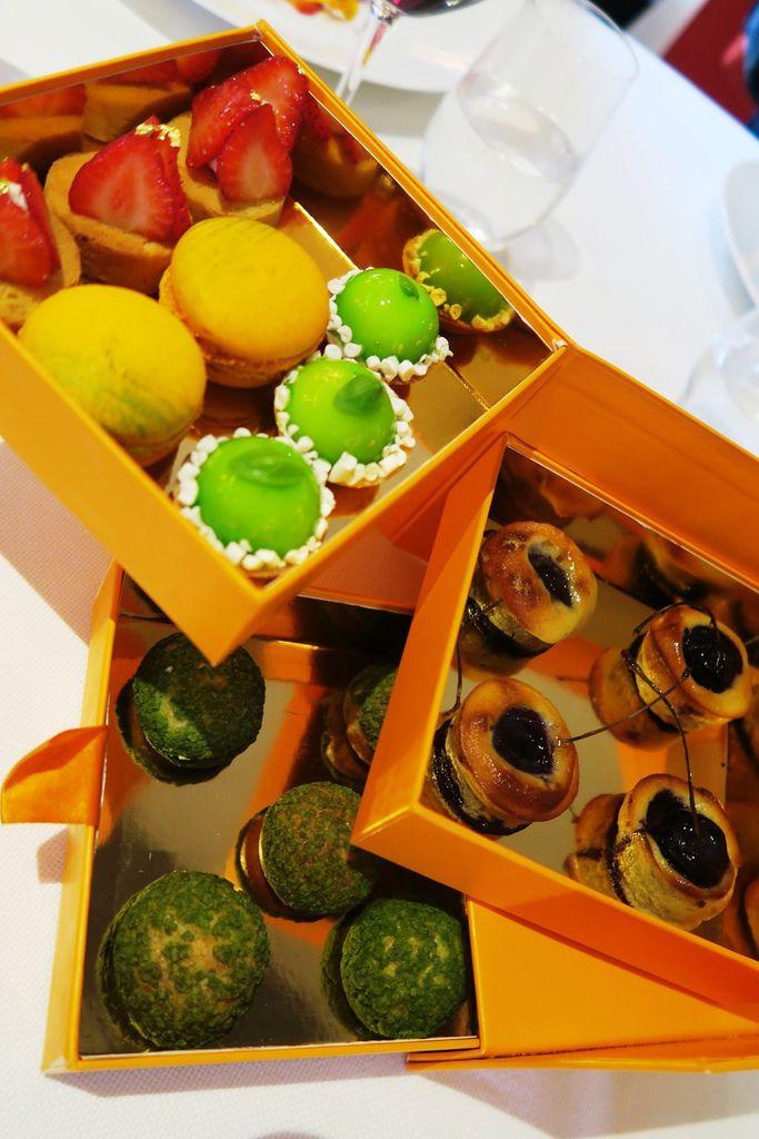 米其林午餐甜點盒.JPG