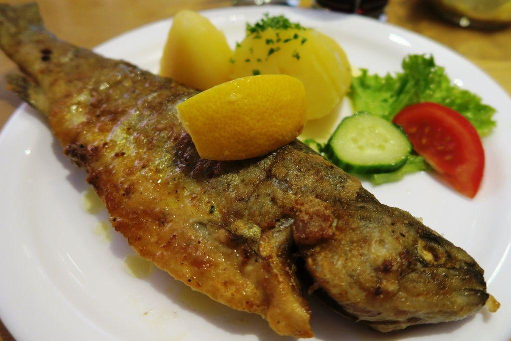午餐美味湖鱒 (6).JPG