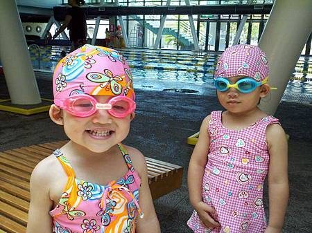 100.7.4新竹泳池初體驗