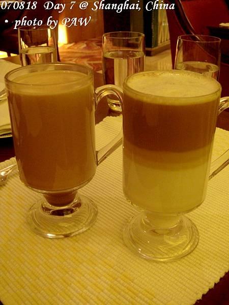 2007.08.18(六) D07 037. 上海 某飯店 cafe - 拿鐵 & 熱巧克力