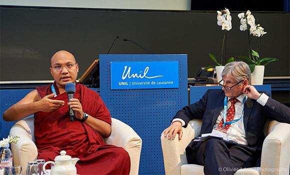 法王噶瑪巴與瑞士洛桑大學醫學院學生對話01.jpg