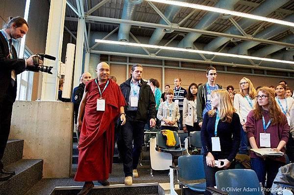 法王噶瑪巴與瑞士洛桑大學醫學院學生對話07.jpg