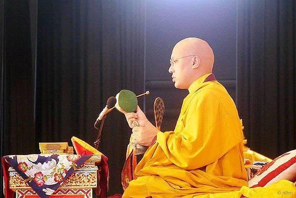 法王噶瑪巴傳授觀音灌頂05.jpg