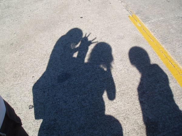 監獄外面的影子  哈哈