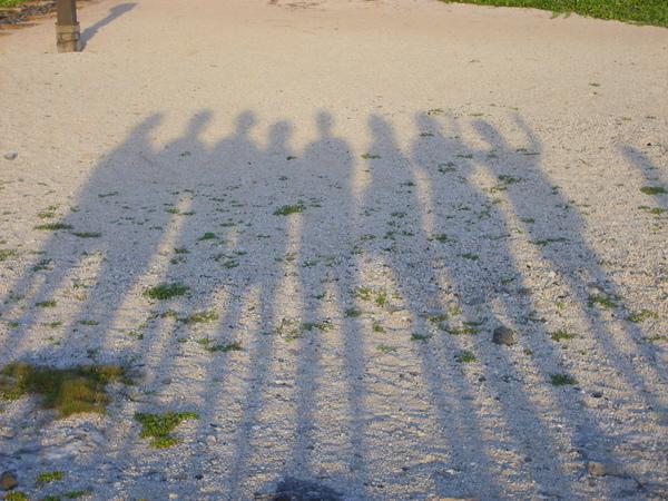 這是很多人的影子