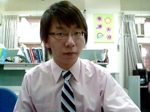 2010-06-09送舊晚會主持未換灰領帶