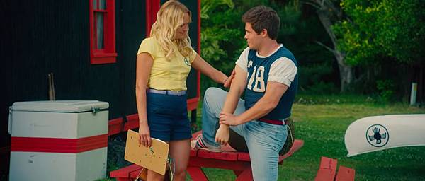 the-final-girls-malin-akerman-adam-devine