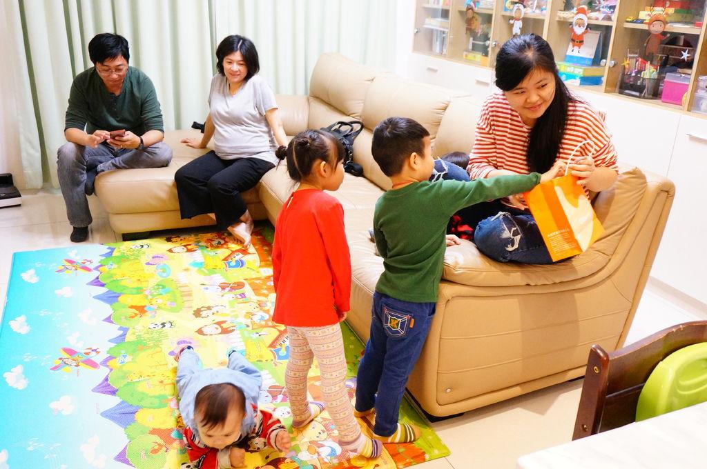 第二屆小孩交換禮物聚會 (33).JPG