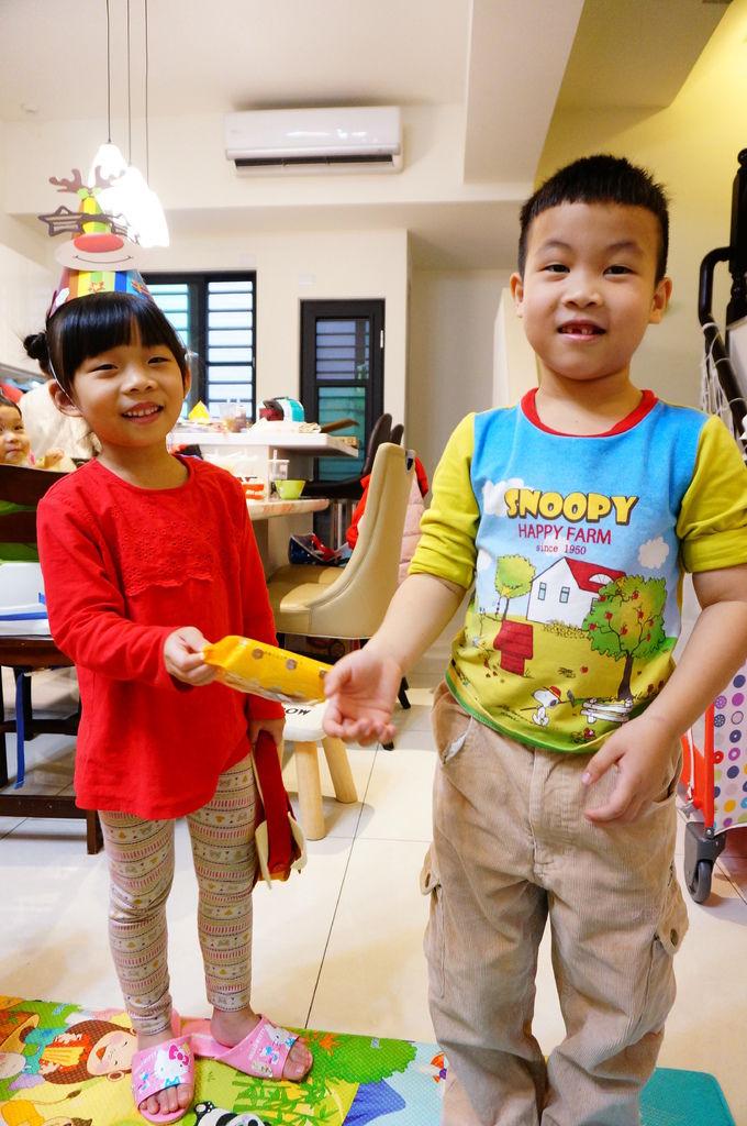 第二屆小孩交換禮物聚會 (98).JPG