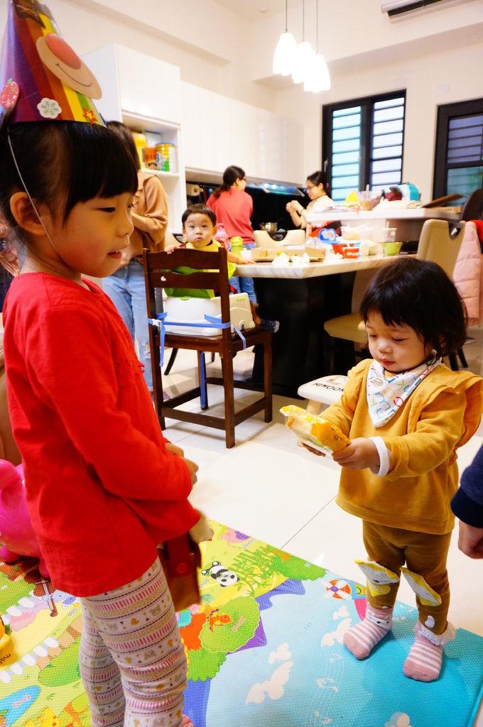 第二屆小孩交換禮物聚會 (102).JPG