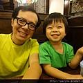 20111029-上親子律動課前,可得好好吃頓早午餐,才有體力運動~~