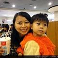 20111029-愛搶鏡頭的媽咪...
