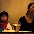 20111125-媽咪請學弟特地從台東買風車過來...順道到他們公司附近吃飯....