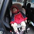 20111231-回阿嬤家都到門口,座椅都改變了...還是能睡~~