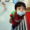2012.09.26-由於這陣子班上一堆人生病, 所以學校要我們大家都戴上口罩.....