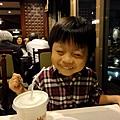 2012.09.28-爸比同事小書叔叔送的福華飯店餐券即將過期,利用平日晚上來吃大餐~~