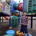 2012.09.30-回樹林阿嬤家也一直吵著要到附近的公園玩....