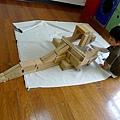 2012.10.08-學校積木角,瞧我完成的飛車城堡.....
