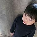 2012.12.29-這張舅舅尋問要不要吃冰棒的俯角照片,像不像被霸凌的小孩...